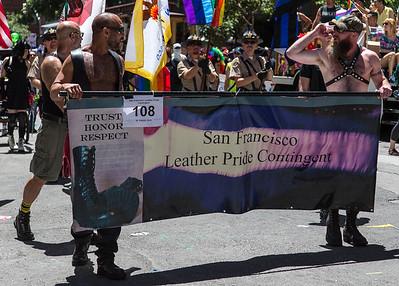 gayPride2104C-160