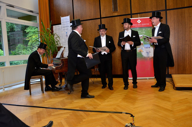 In the evening participants were treated to a concert by Fr. Olav Hamelijnk and friends from Handrup