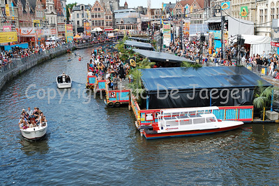 Day-time atmosphere of Polé Polé in Ghent (Gent), Belgium, during the 2010 Ghent Festivities (Gentse Feesten).