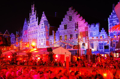 The highly colorful Pole Pole Festival during the Ghent Festivities (Gentse Feesten) 2007 is one of the many attractions bringing thousands of people to the place between Graslei and Korenlei.