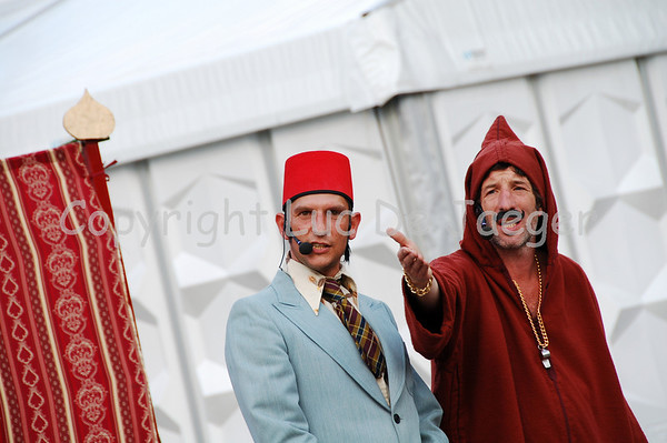 Abu And Habib (Belgium) -- Duizend messen in een nacht (A thousand knives in one night)