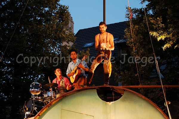 International Street Theatre Festival (Internationaal Straattheaterfestival)