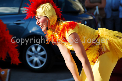 The Daredevil Chicken Club is the combined talent and imagination of performers Anne Goldmann and Jonathan Taylor.