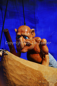 The puppets of Altrégo's Aloha Hé are made of wood. The show is well worth looking at.