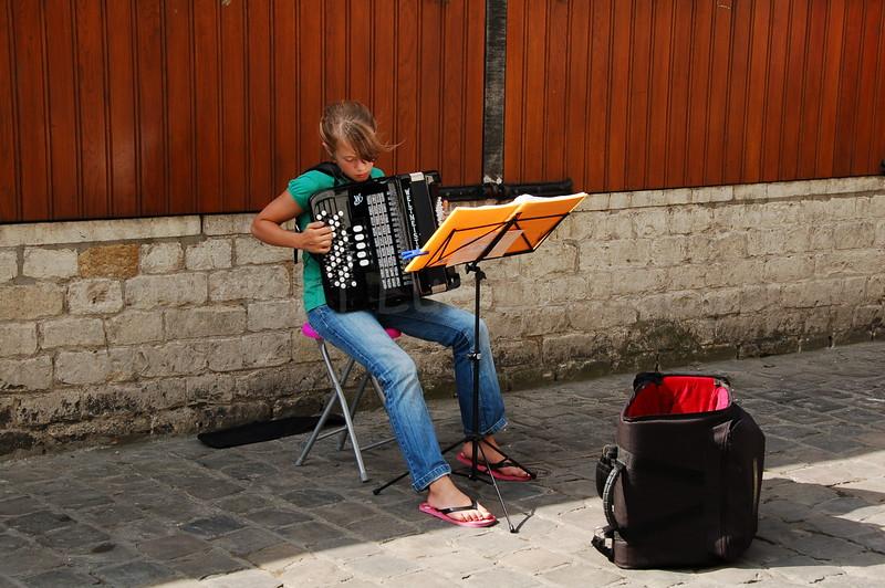 Another street-musician at work during the Ghent Festivities (Gentse Feesten).