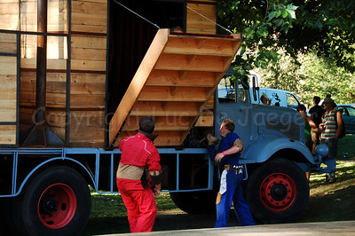 This weird truck contains all what the Bolwerk Fanfare is about... The door(step) opens...