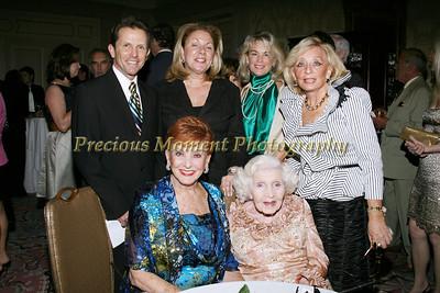 IMG_3746  r-Chris Farrell,Doreen Wade,Jennifer McHenry f-Cathleen McFarlane-Ross & Gertrude Maxwell