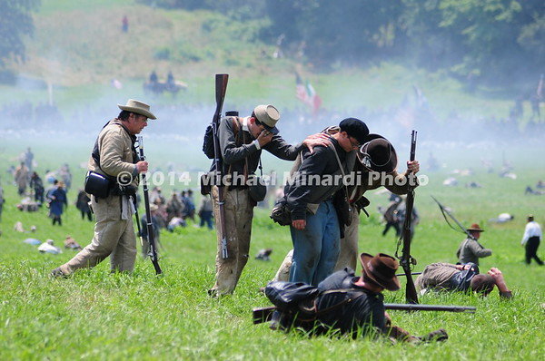 Wounded Confederates retreat after Pickett's Charge MIN_9910