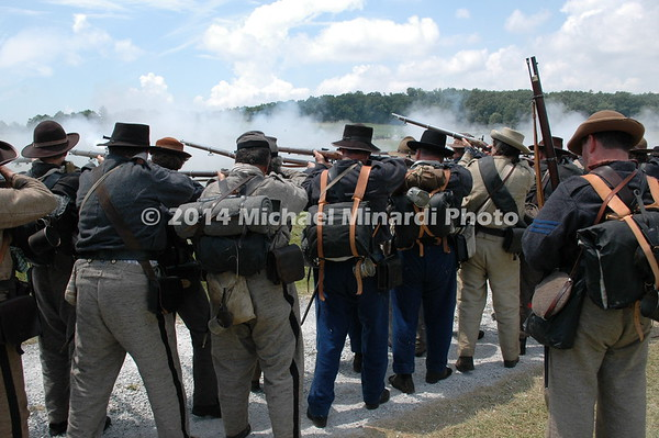Confederate infantry fires on Union troops at Pickett's Charge DSC_2808
