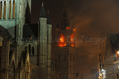 The Big Fire of Ghent That Never Happened by Michael Langeder is a light installation which evokes fire in the Belfry. The apocalyptic atmosphere, created by smoke and light, makes us reflect on the transience of our surroundings and the city's cultural heritage. This artwork was part of the 2011 edition of the Light Festival (Lichtfestival) in Ghent (Gent), Belgium.