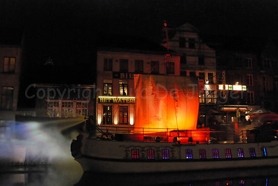 A mysterious atmosphere at the 'Gentse Barge' boat during the 2012 Ghent Light Festival.