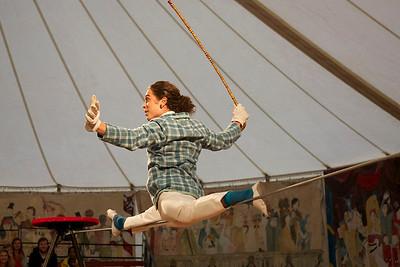 Giffords Circus 2012