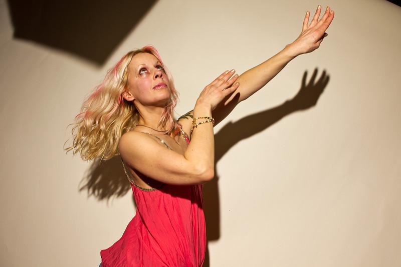 Model: Karen Alberti