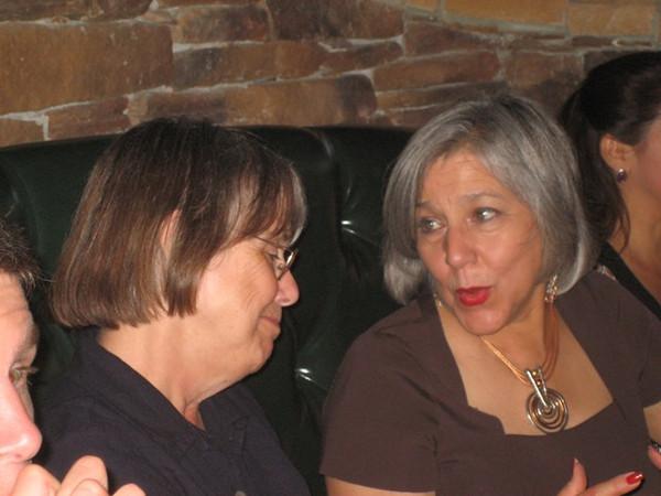 Dorothy Barr, Gloria Zamora