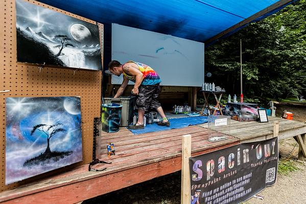 Spray Paint Dude Travis Phillips