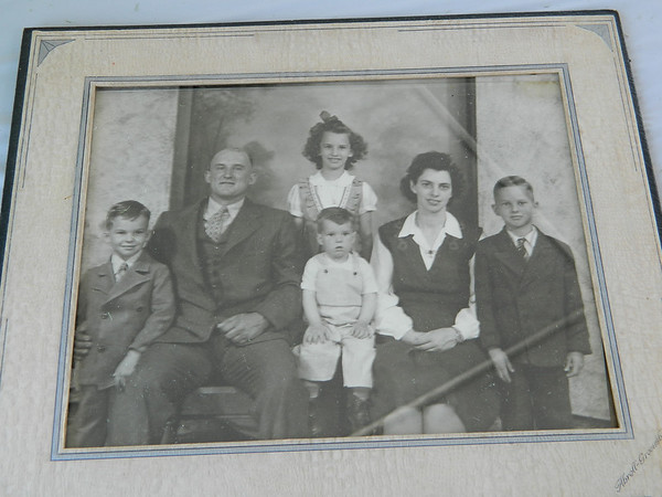 Goldia and the late Carl Miller with their four eldest children.