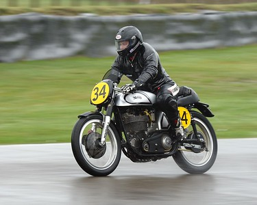 1951 Norton Manx - Duncan Fitchett Kevin Schwantz - Barry Sheene Memorial Trophy at the 2016 Goodwood Revival