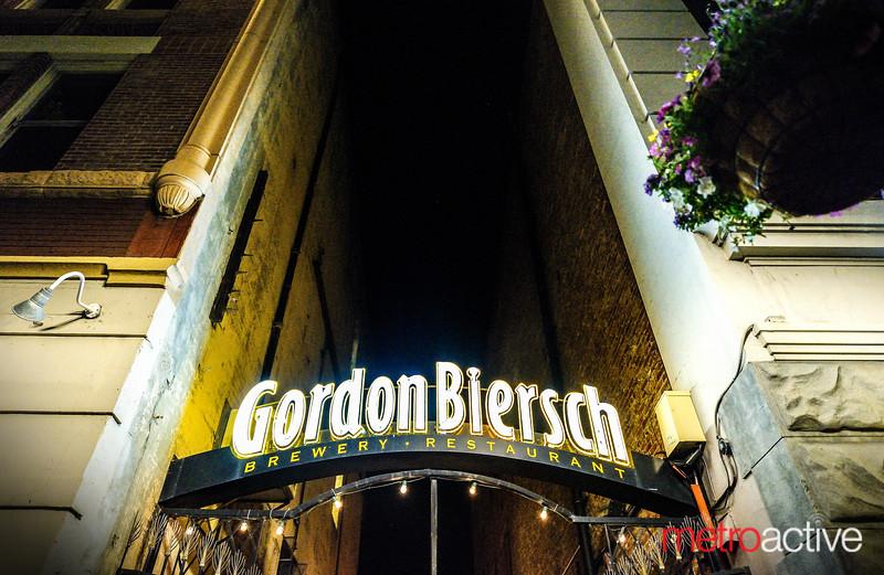 PHOTOS: Gordon Biersch Final Night