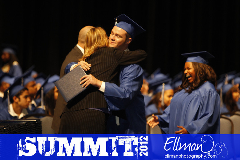 2012summit_graduation_518
