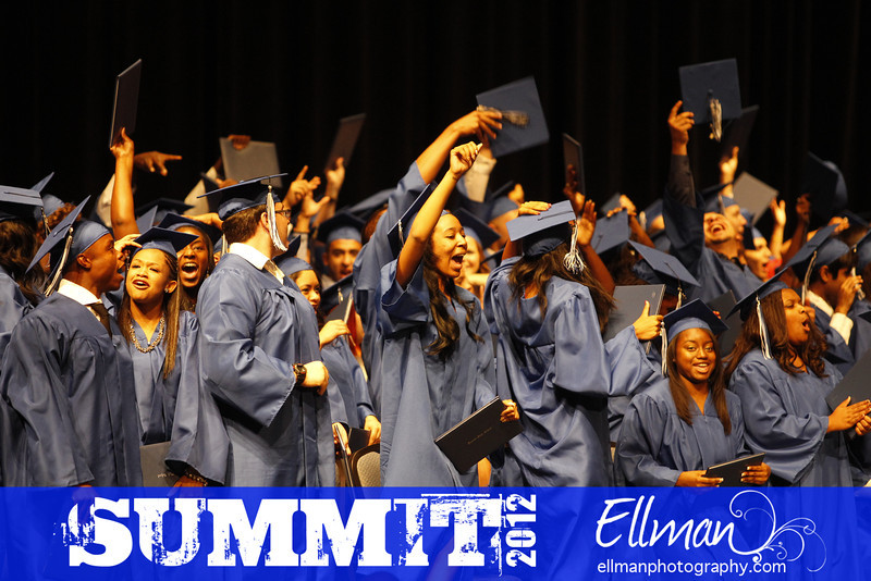 2012summit_graduation_807