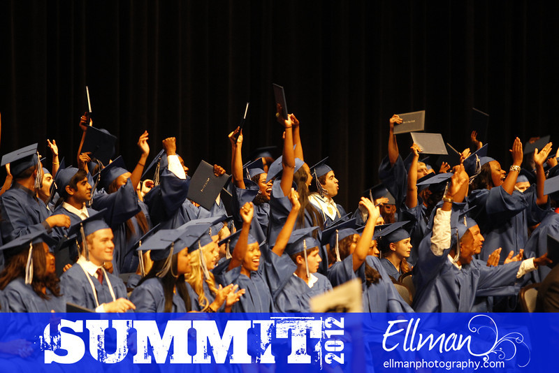 2012summit_graduation_802