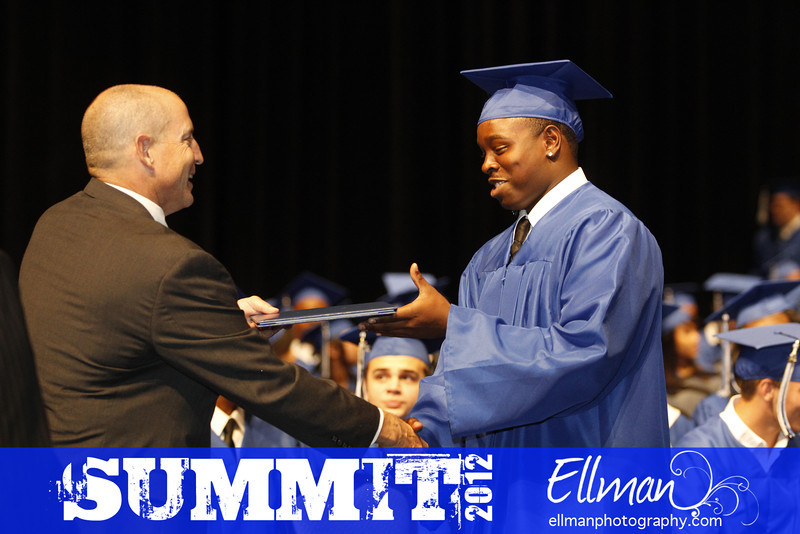 2012summit_graduation_611