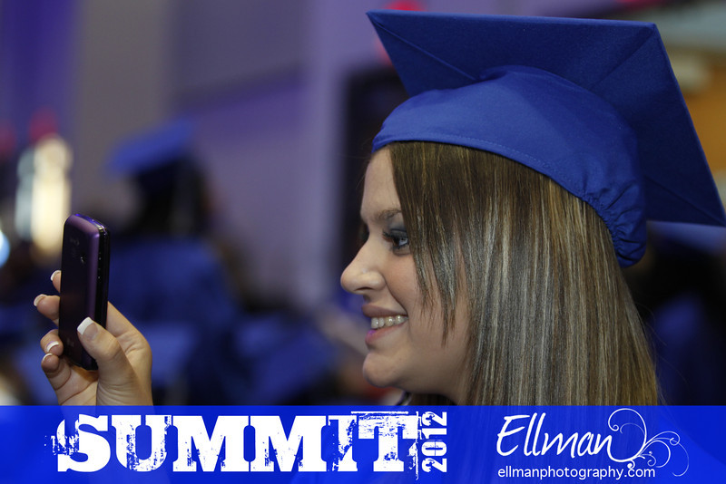 2012summit_graduation_070