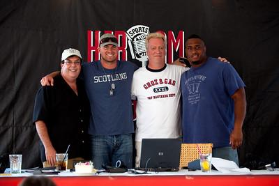 Gas  -  Seattle Seahawks Quarterback, Matthew Hasselbeck  - Groz  -  Seattle Seahawks Ron Simms