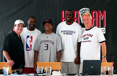 Gas  -  Charles Robinson  - Wahington Husky Basketball, Isaiah Thomas  -  Wahington Husky Basketball, Quincy Pondexter  -  Groz