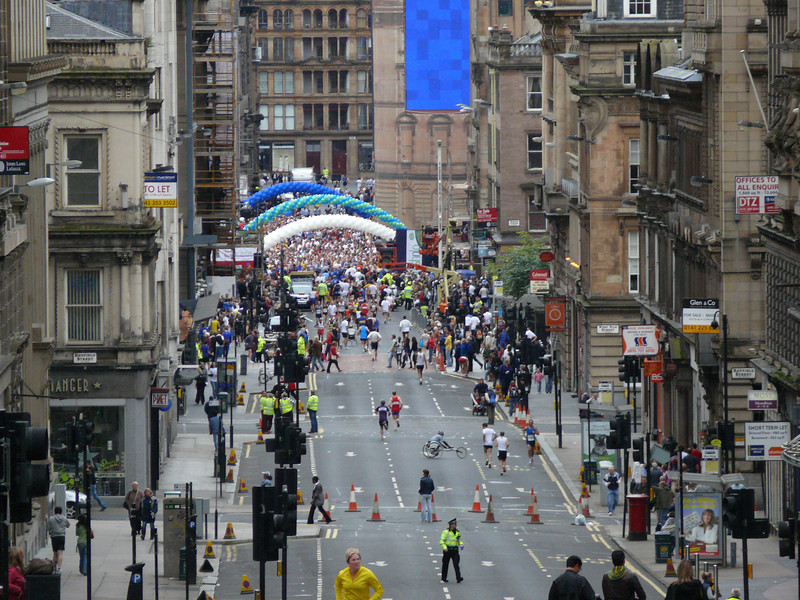 Looking towards the half marathon starting line.