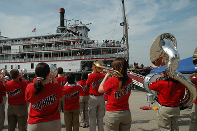 U of L Red Rage pep band serenades the Delta Queen