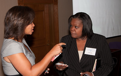 ImagesBySheila-DC Cares Service Award_CB5091