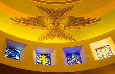 Angel_stained glass windows greek church 6251