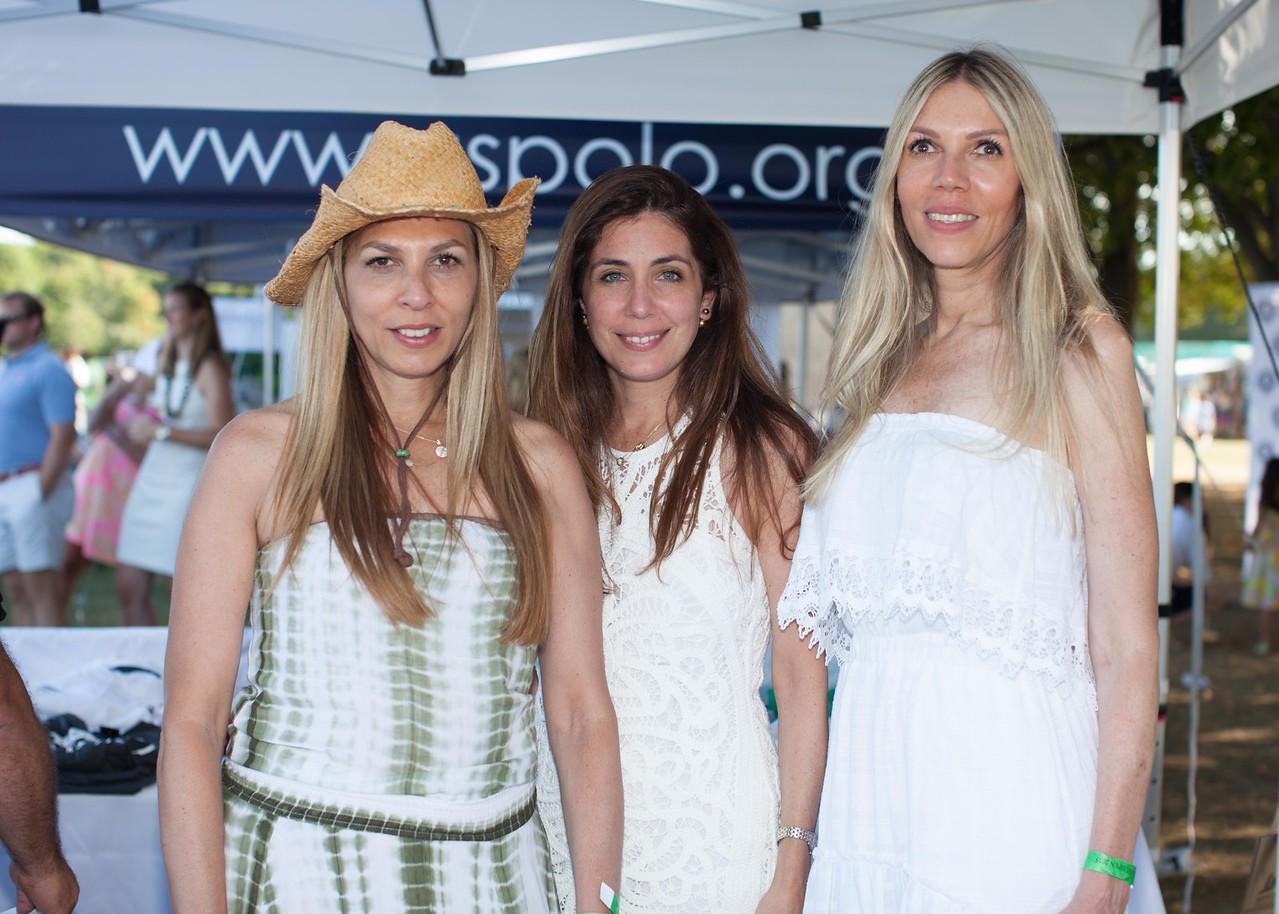 IMG_3198 Elena Acosta, Mia Carbonell and Regina Acosta