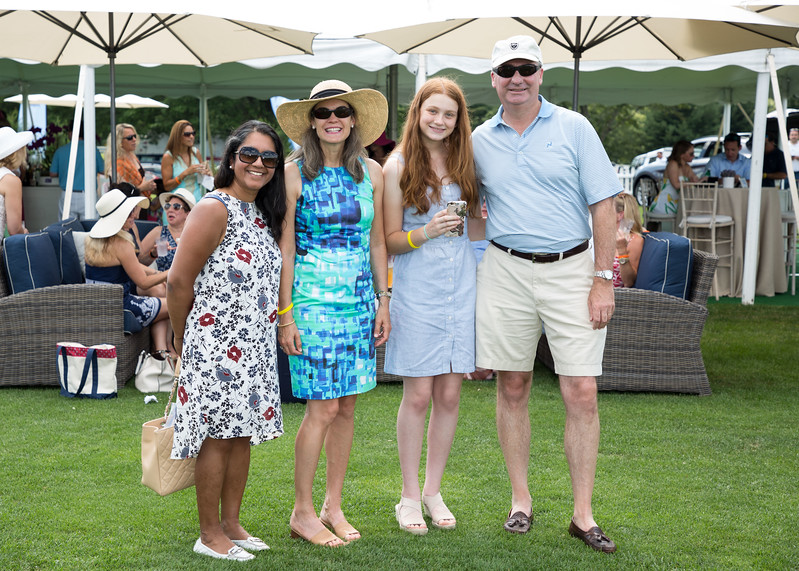 5D3_5397 Nisha Hurst and Anne, Lindsay and David Juge