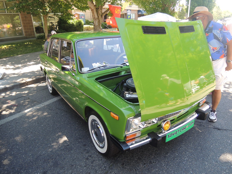 I used to own a 72 Fiat 124 sedan that looked like this.