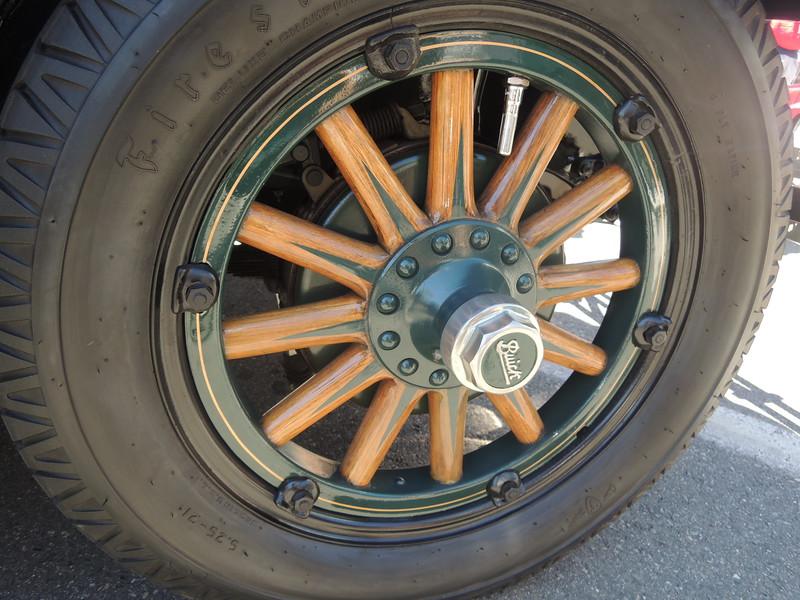 Wood spoke wheels on a 1927 Buick.
