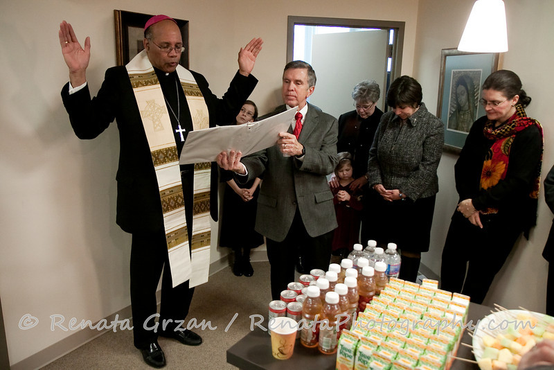 025- Guadalupe Radio Network Blessing - Renata Photography