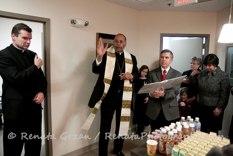 027- Guadalupe Radio Network Blessing - Renata Photography