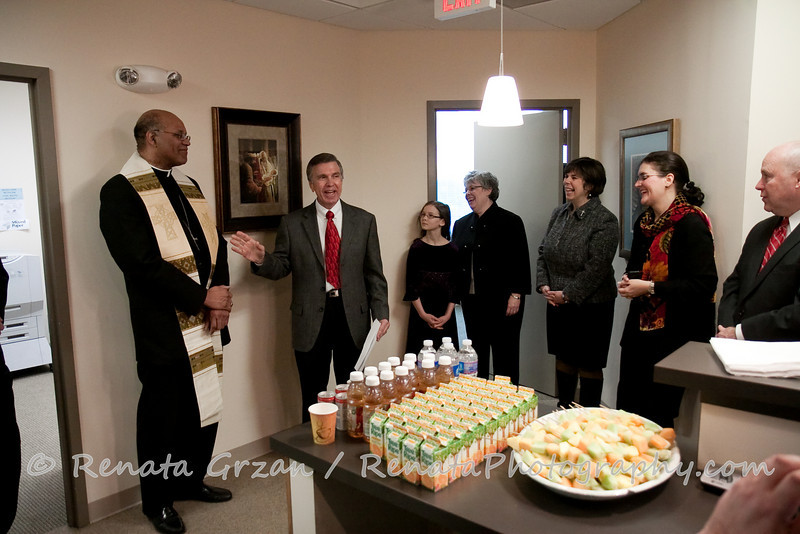 004- Guadalupe Radio Network Blessing - Renata Photography