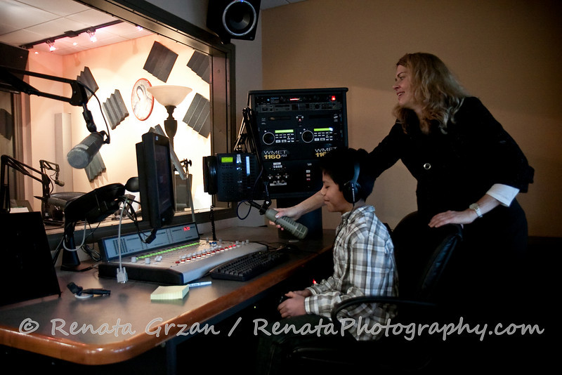 060- Guadalupe Radio Network Blessing - Renata Photography