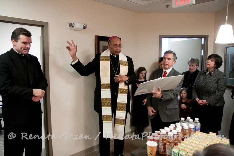 028- Guadalupe Radio Network Blessing - Renata Photography