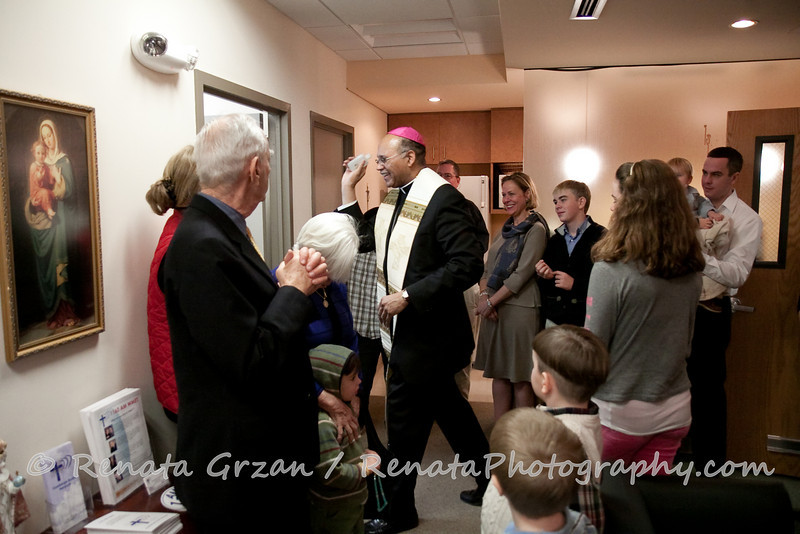 019- Guadalupe Radio Network Blessing - Renata Photography