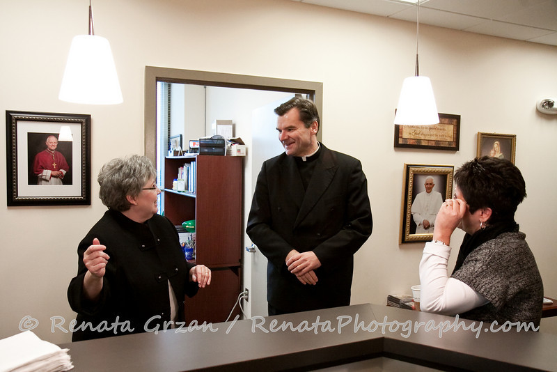 044- Guadalupe Radio Network Blessing - Renata Photography