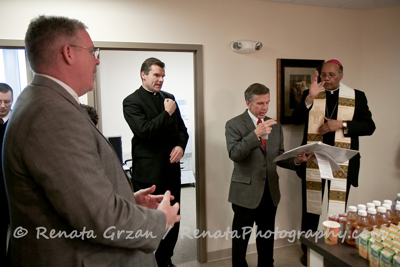017- Guadalupe Radio Network Blessing - Renata Photography