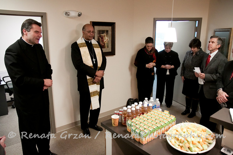001- Guadalupe Radio Network Blessing - Renata Photography