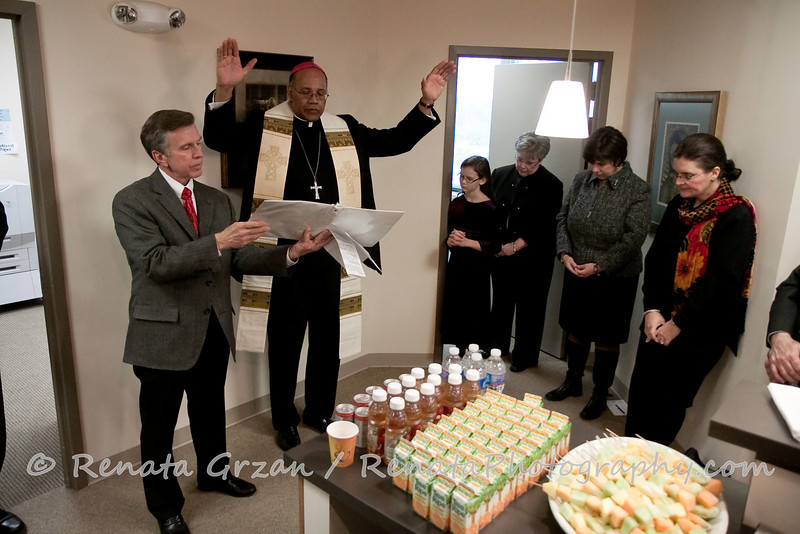 014- Guadalupe Radio Network Blessing - Renata Photography