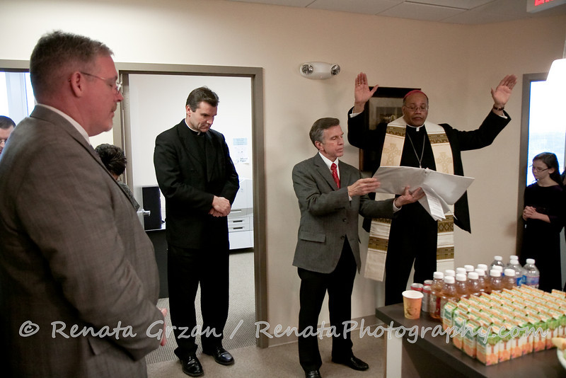 016- Guadalupe Radio Network Blessing - Renata Photography