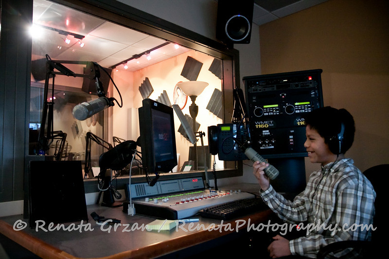 062- Guadalupe Radio Network Blessing - Renata Photography