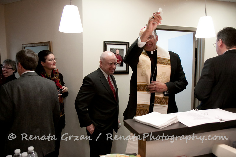 021- Guadalupe Radio Network Blessing - Renata Photography